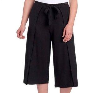 S NWT Betsey Johnson Performance Ribbed Crop Pants